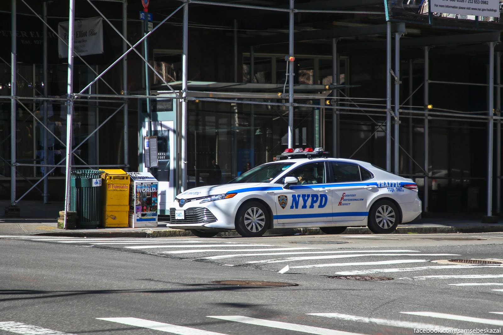 Vpervye vizu Tojotu Kamri v nʹu-jorkskoj policii (hota formalʹno, ludi kotorye na nej ezdat ne kopy).