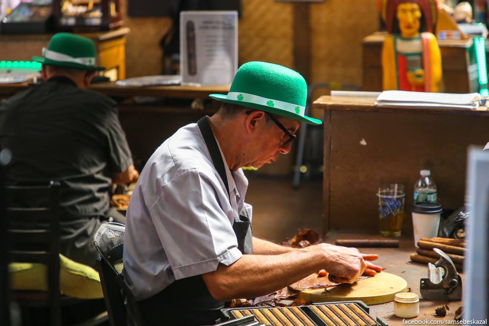 Dominikanskie mastera po izgotavlivaniu sigar i Denʹ Svatogo Patrika. Navernoe etoj professii estʹ kakoe-to naucnoe nazvanie, no lenʹ guglitʹ. Malenʹkaa Italia.