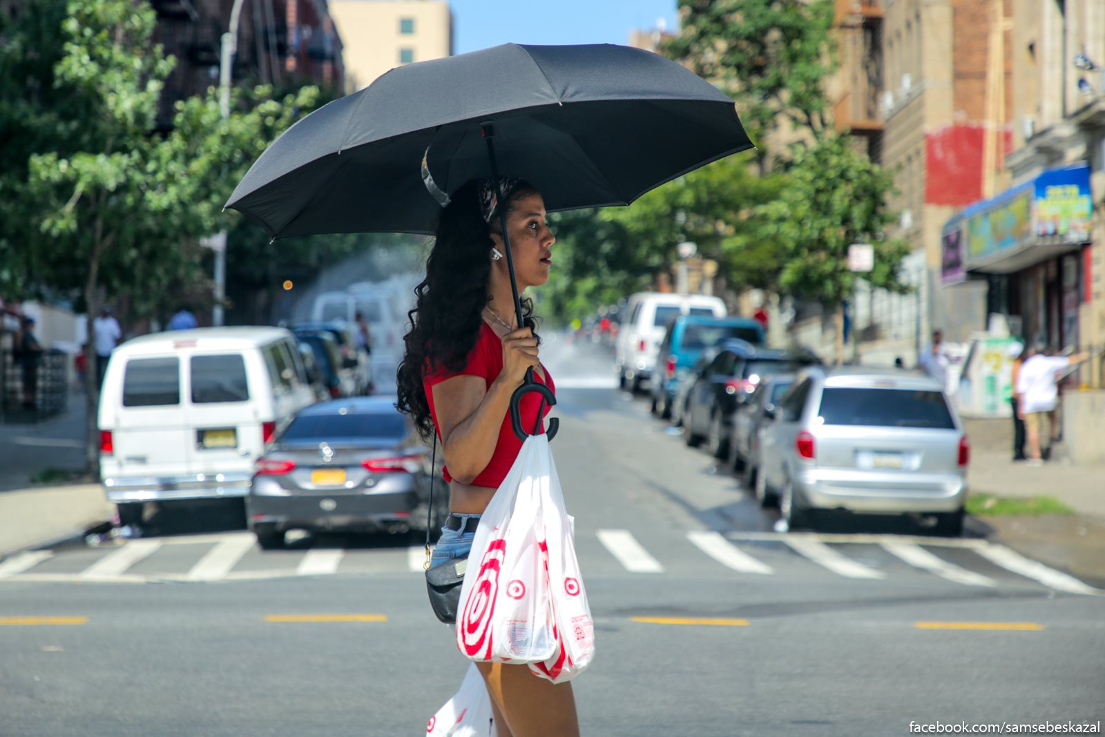 Obycno s zontikami letom hodat odni kitajcy, no tut uze mnogie ne vyderzali.