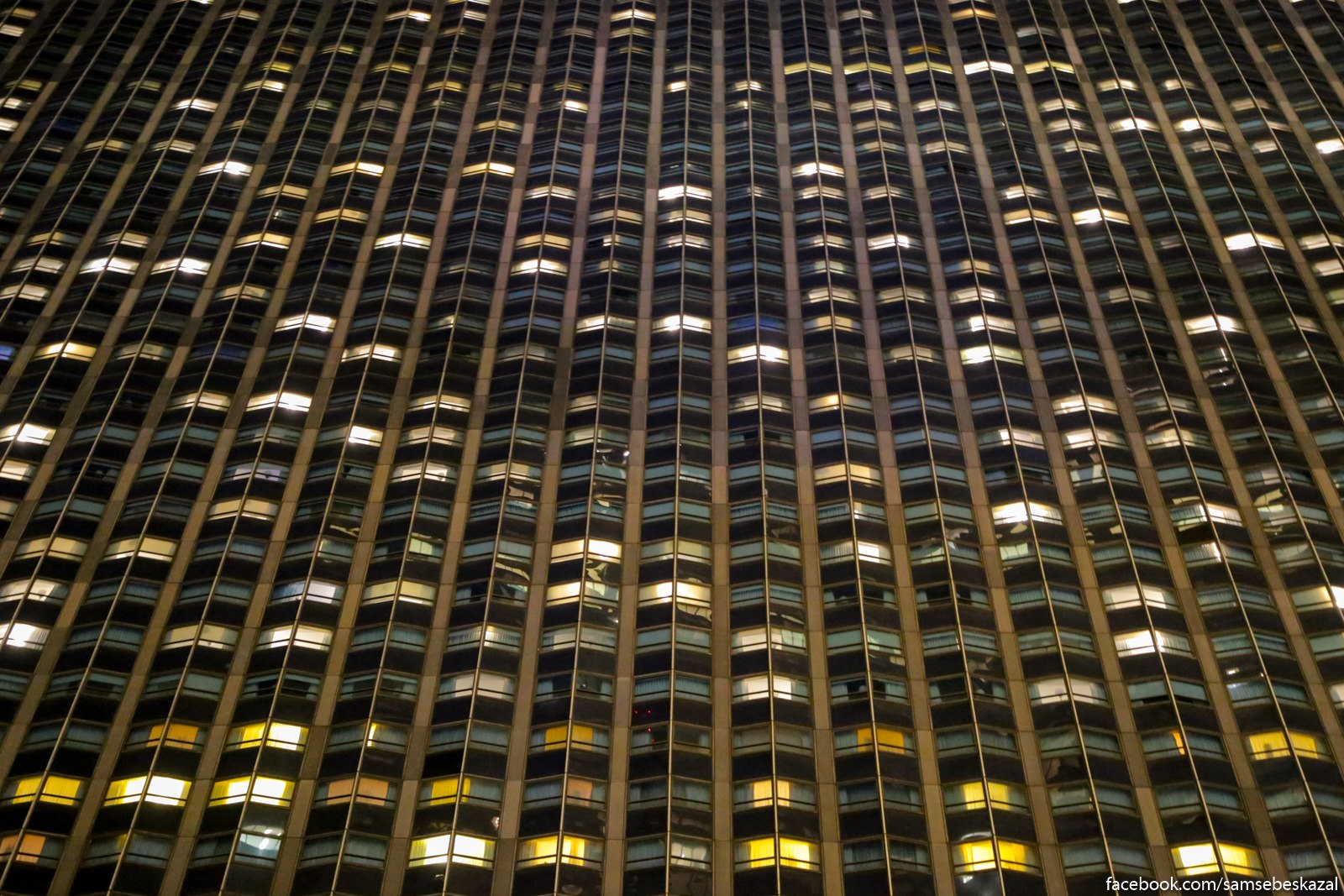 Hilton Midtaun - samyj bolʹsoj otelʹ v Nʹu-Jorke. Pocti 2000 nomerov.