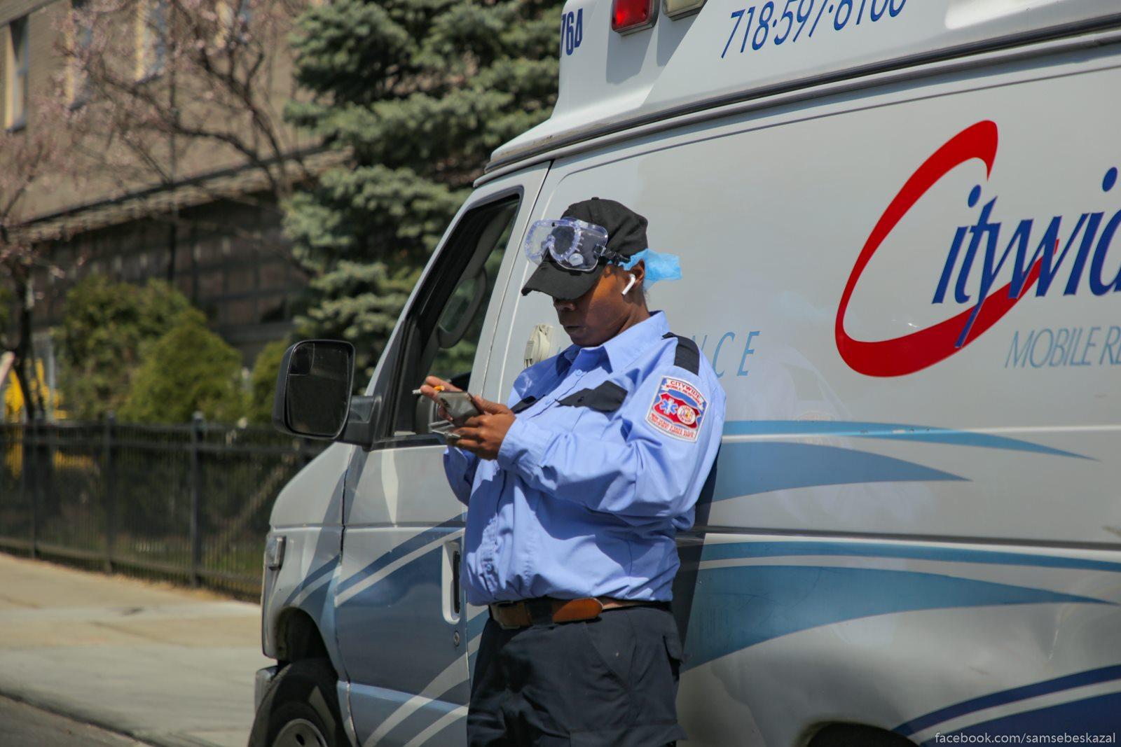 Paramedik iz skoroj na...
