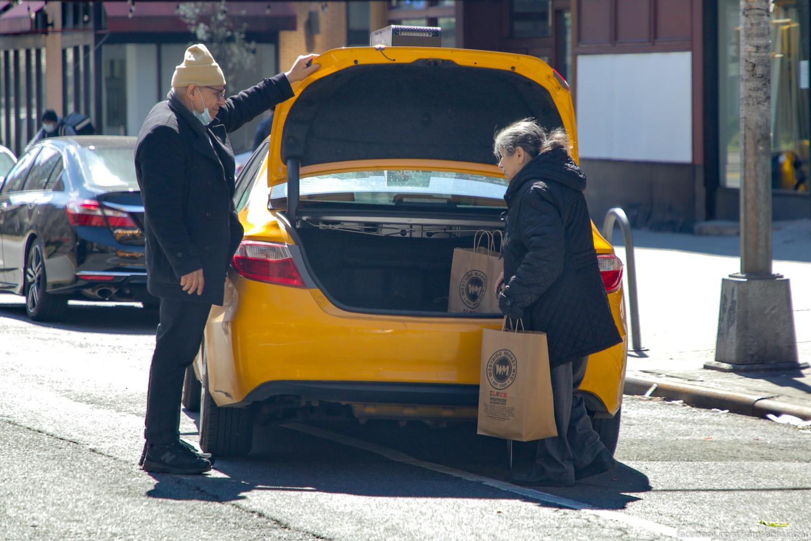 Taksisty glavnye pomosniki...