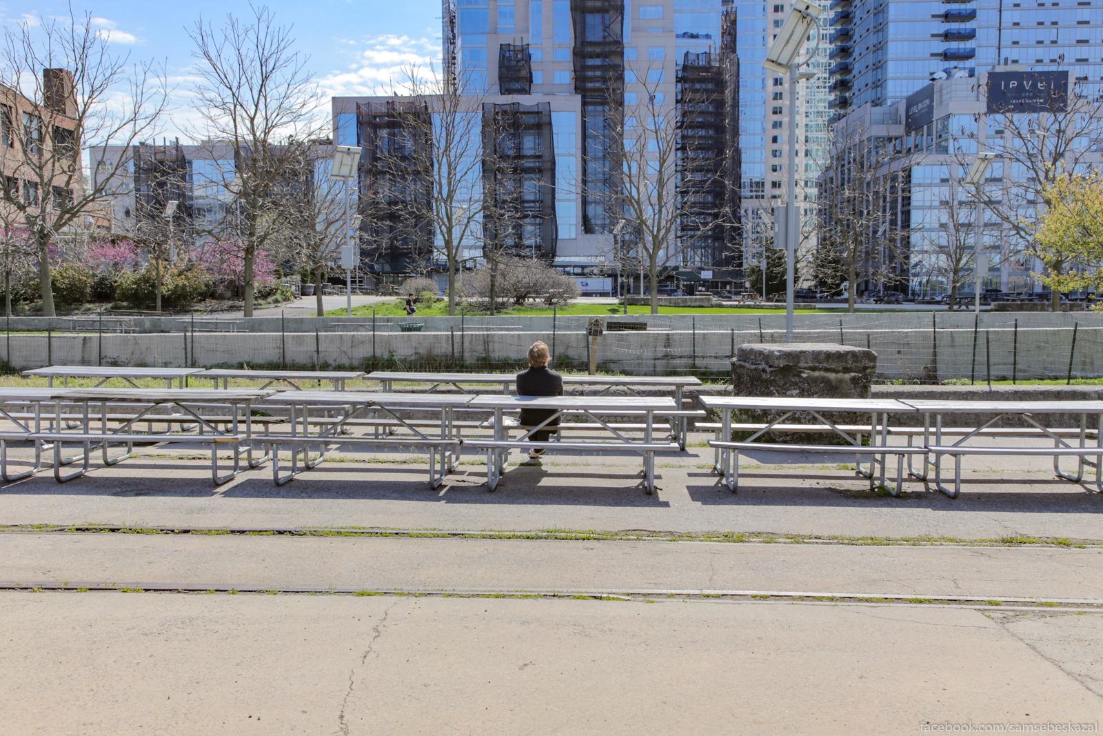 Samoizolacia v parke....