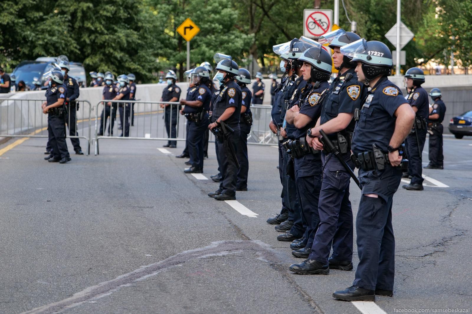 Policia Nʹu-Jorka samaa...