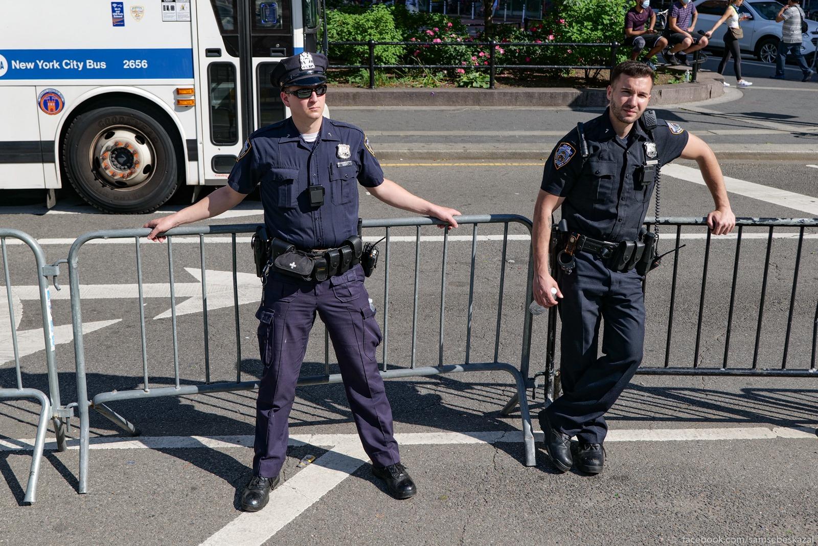 Policia teperʹ ni vo cto ne...