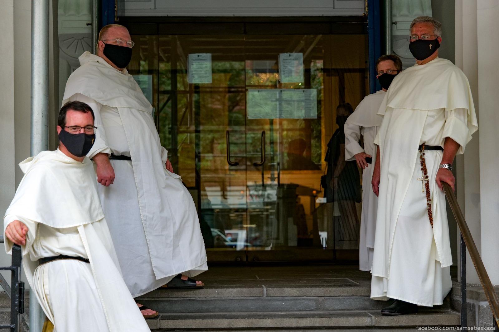 Katoliceskie monahi...