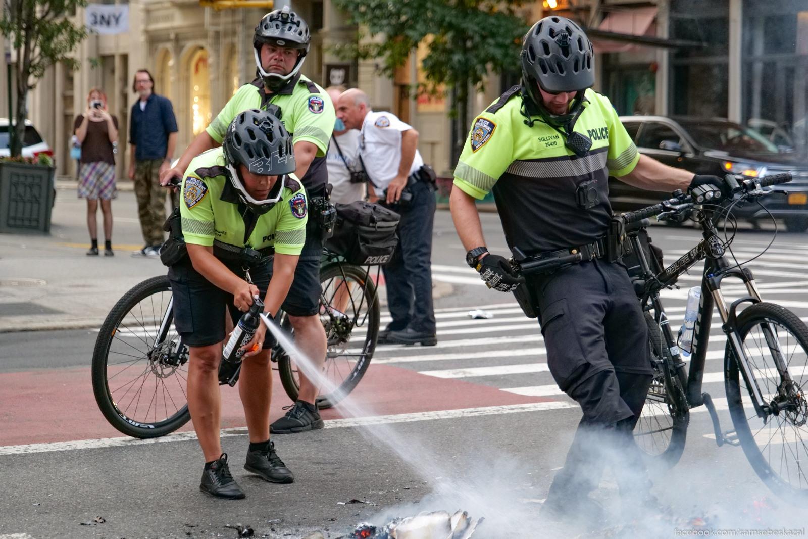 Два месяца с начала протестов в Нью-Йорке Potom priehali kopy na...