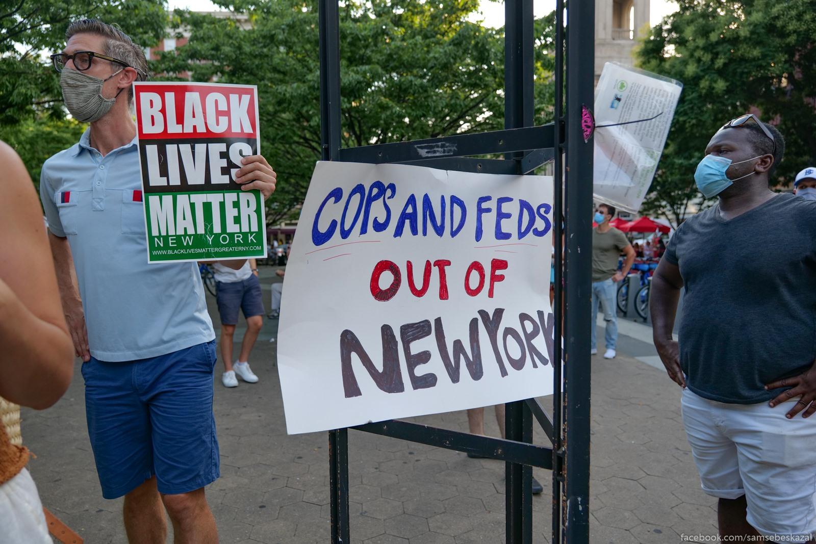 Два месяца с начала протестов в Нью-Йорке Kopy i federaly valite iz...