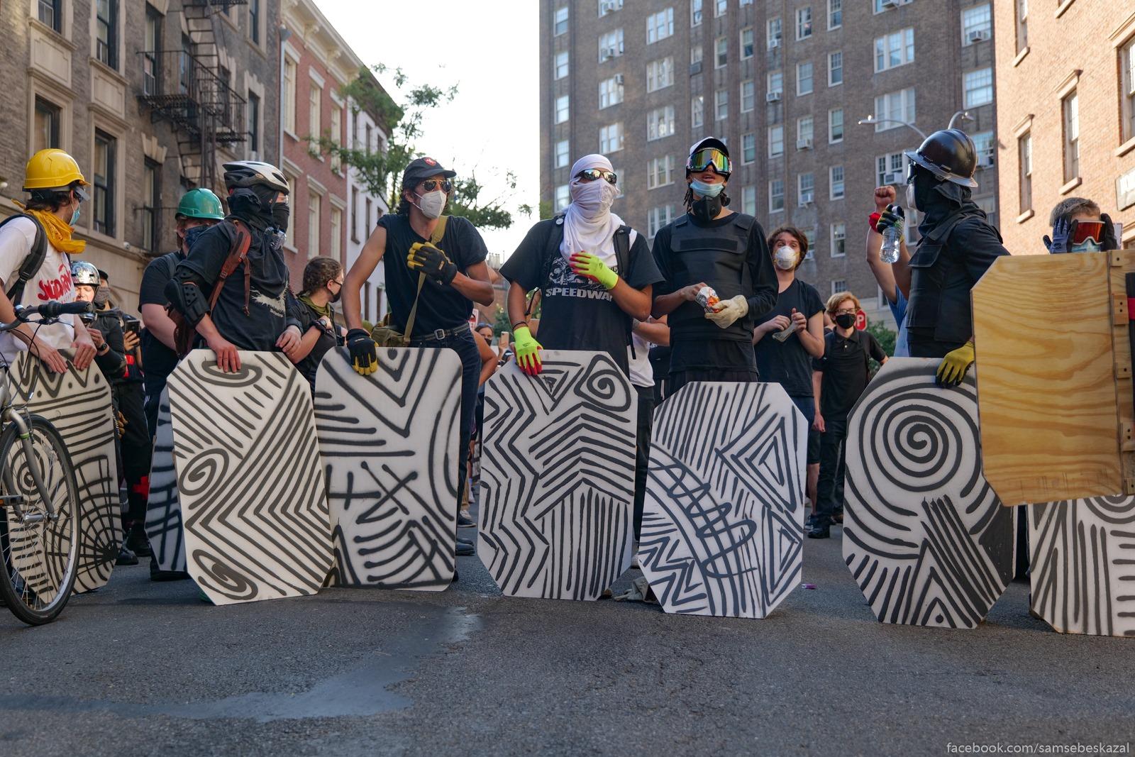 Два месяца с начала протестов в Нью-Йорке Horosie mirnye...