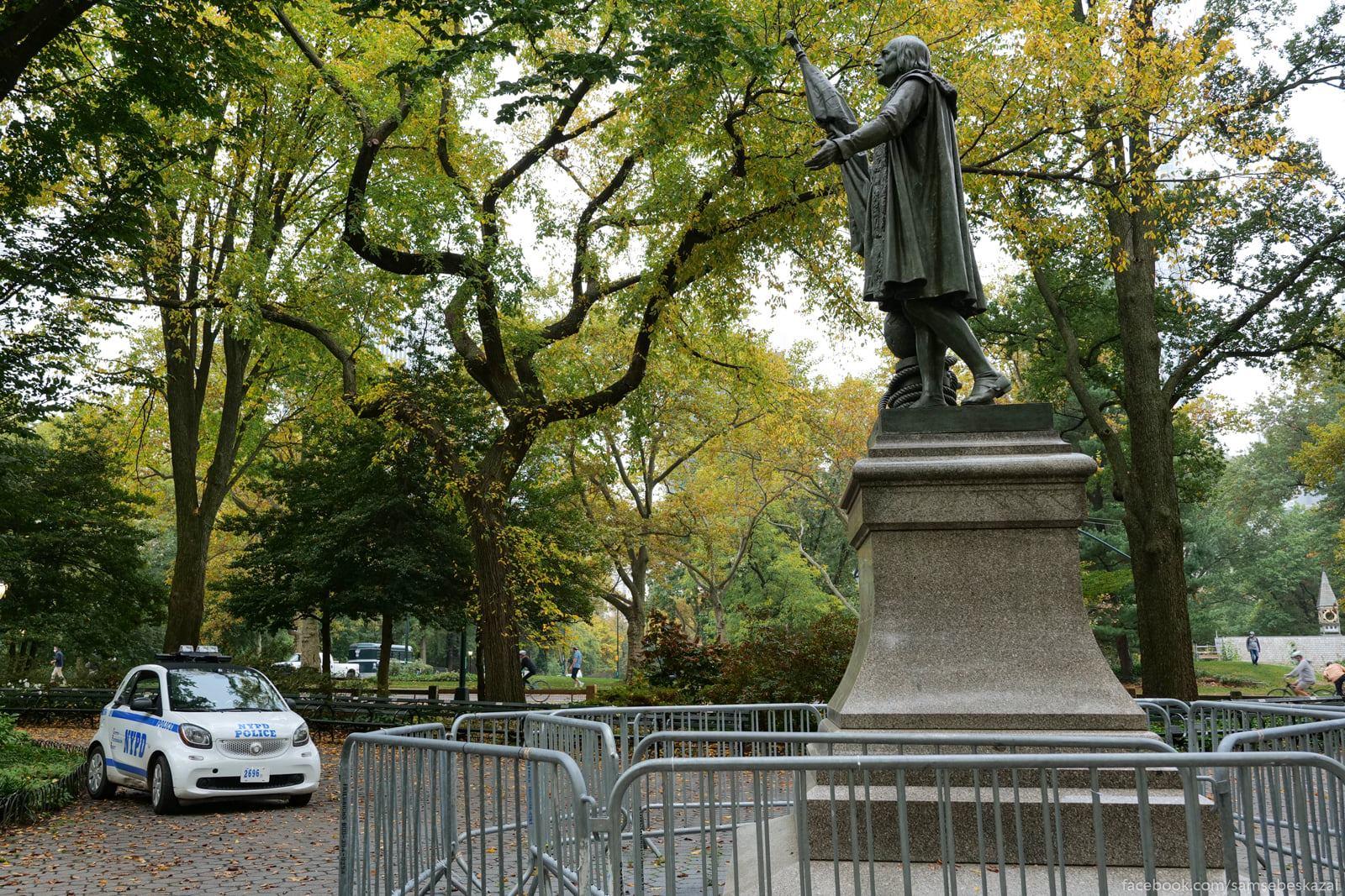 Нью-Йорк, 22 октября 2020 года Pamatnik Kolumbu v...