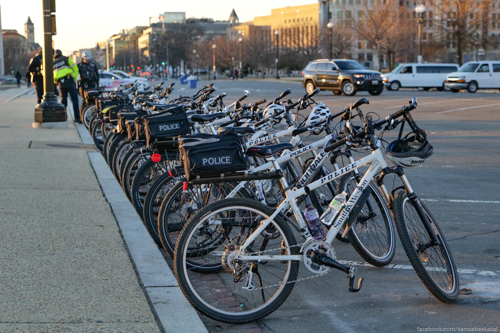 Policejskie velosipedy.
