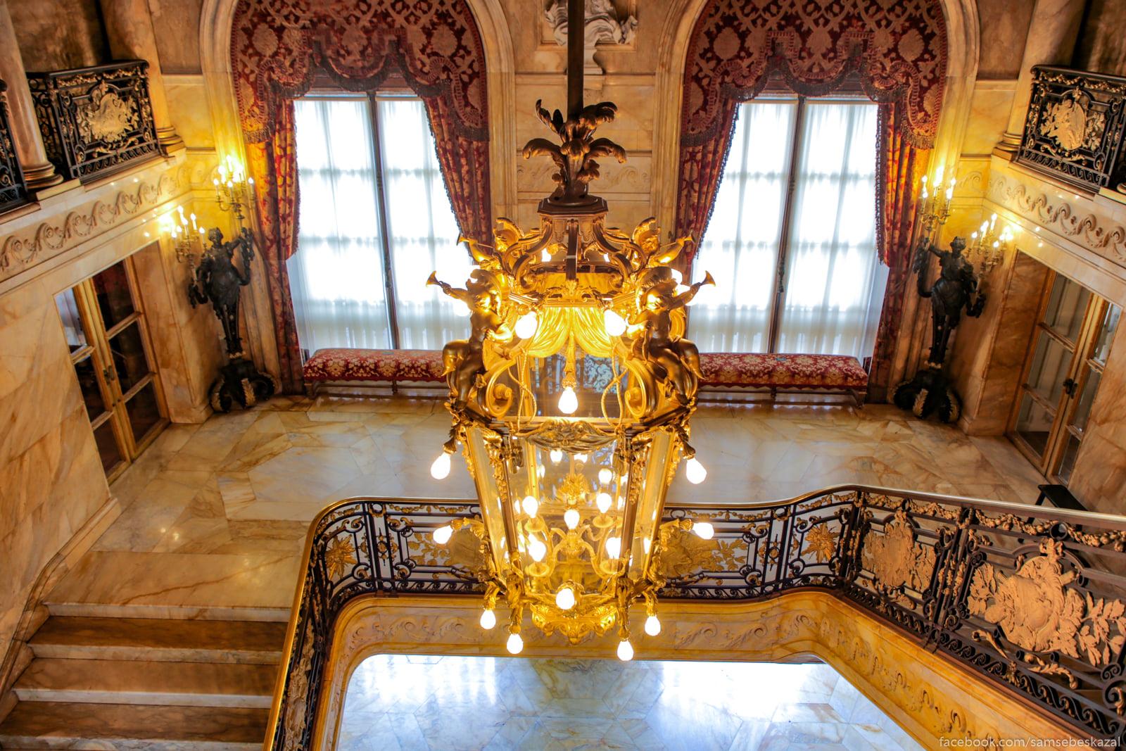 Посмотрел я известное видео про дворец в Геленджике и можно сказать даже Mezanin.
