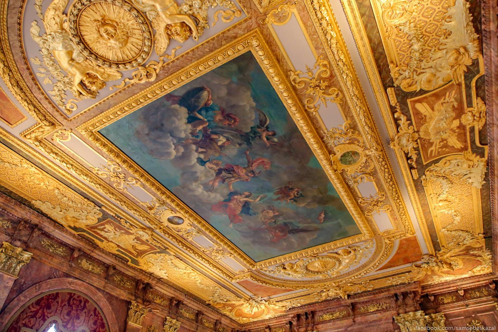 Посмотрел я известное видео про дворец в Геленджике и можно сказать даже Potolok.