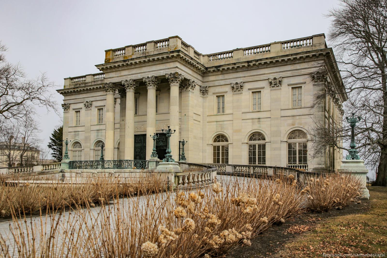Посмотрел я известное видео про дворец в Геленджике и можно сказать даже A eto paradnyj vhod s...
