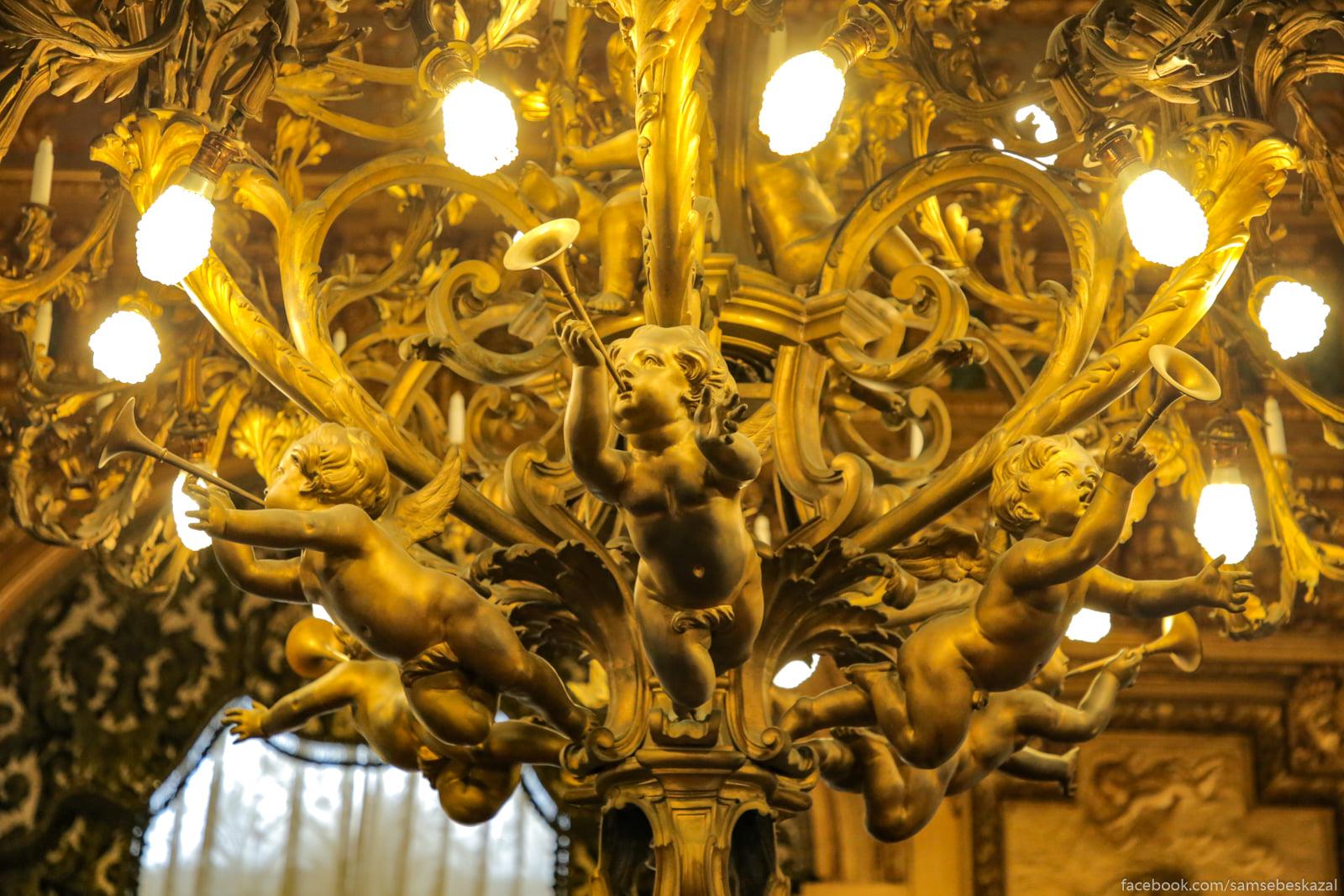 Посмотрел я известное видео про дворец в Геленджике и можно сказать даже Lustra. Dom byl pervym v...
