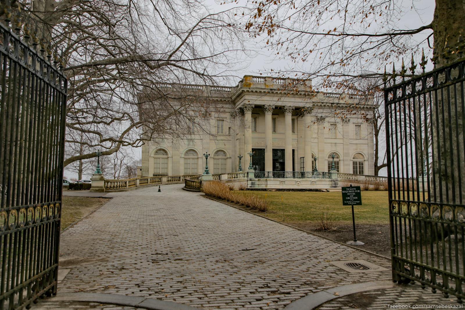Посмотрел я известное видео про дворец в Геленджике и можно сказать даже Vid na Mramornyj dom ot...