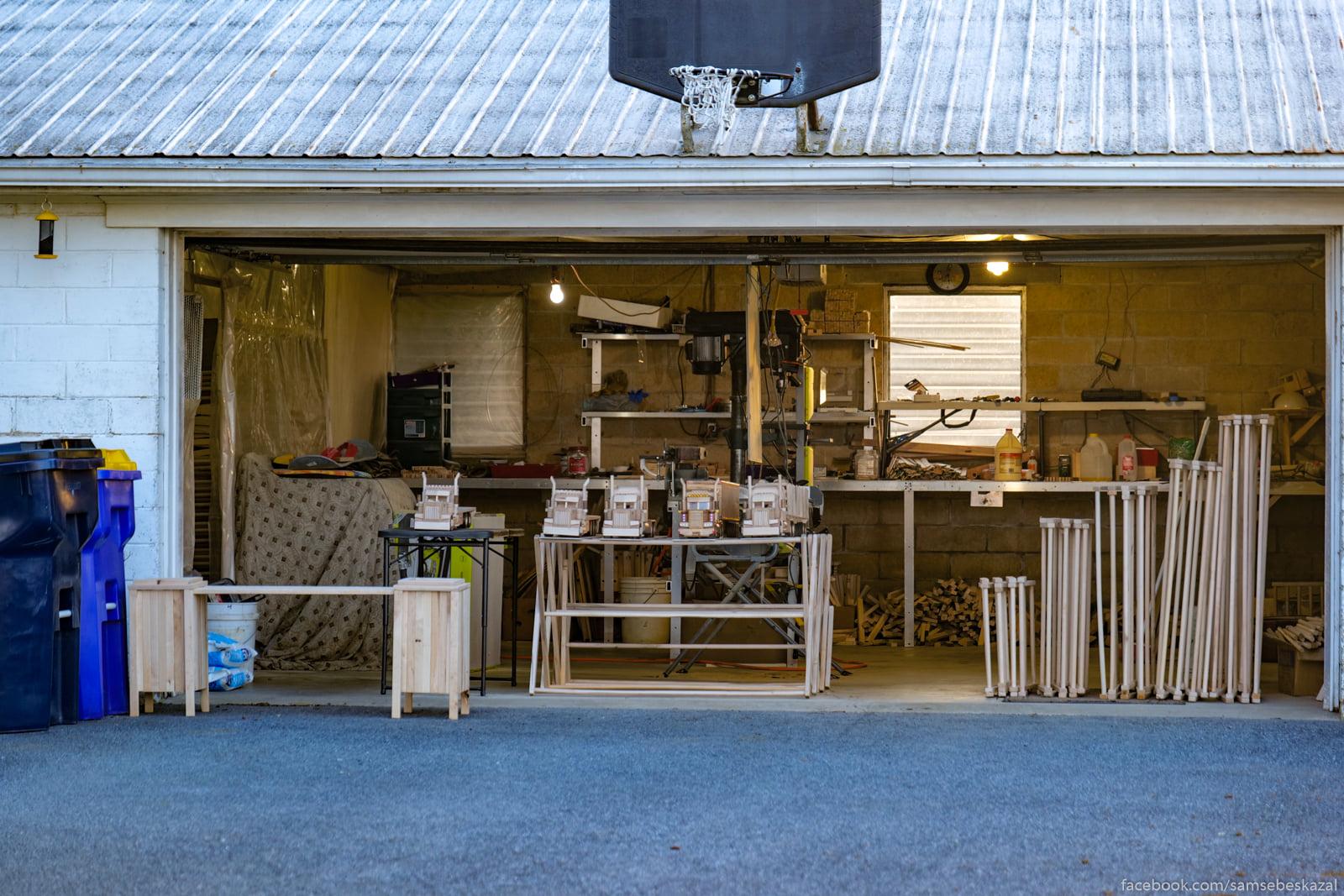 Muzik delaet v svoem garaze...