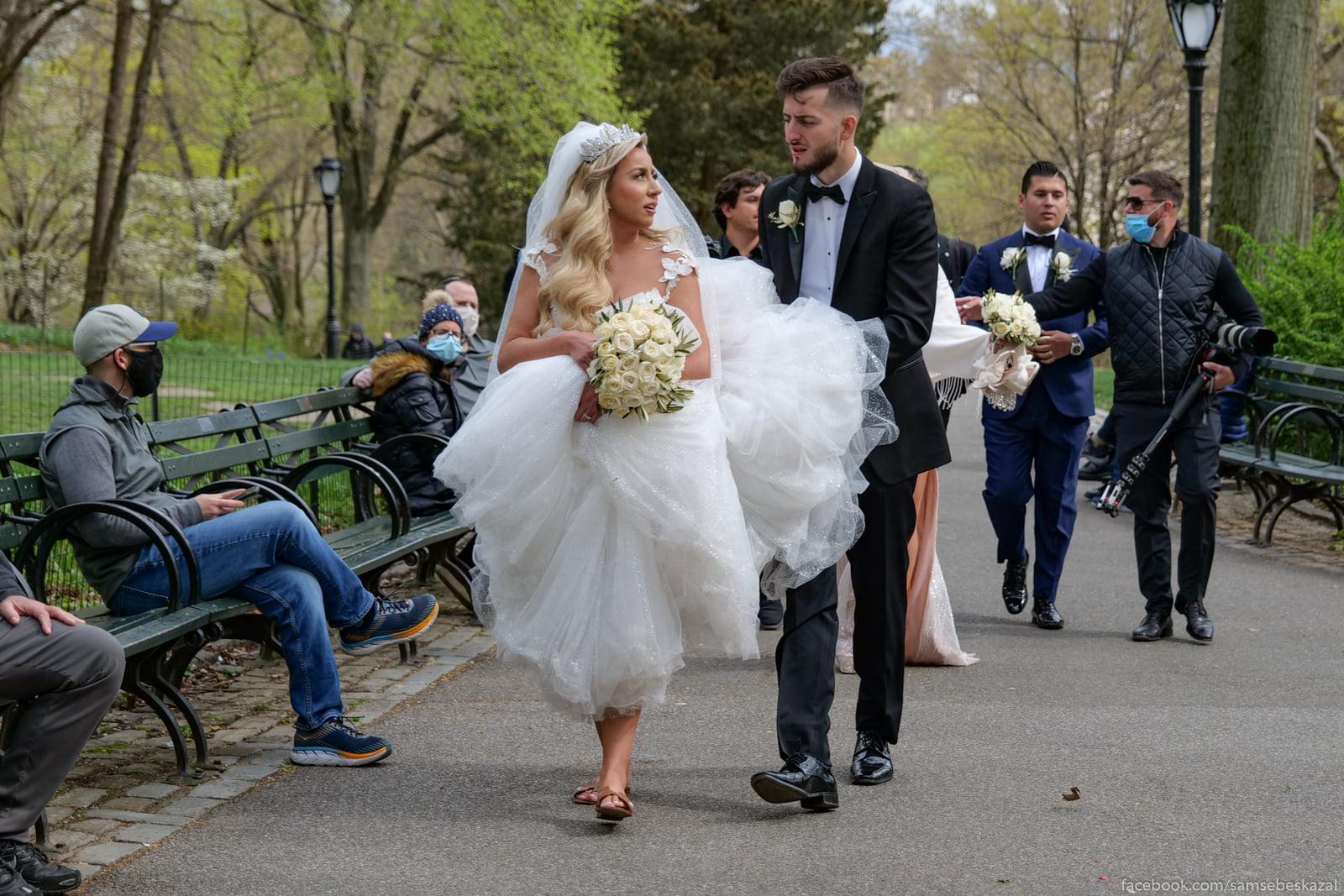 Idut so svadebnogo...